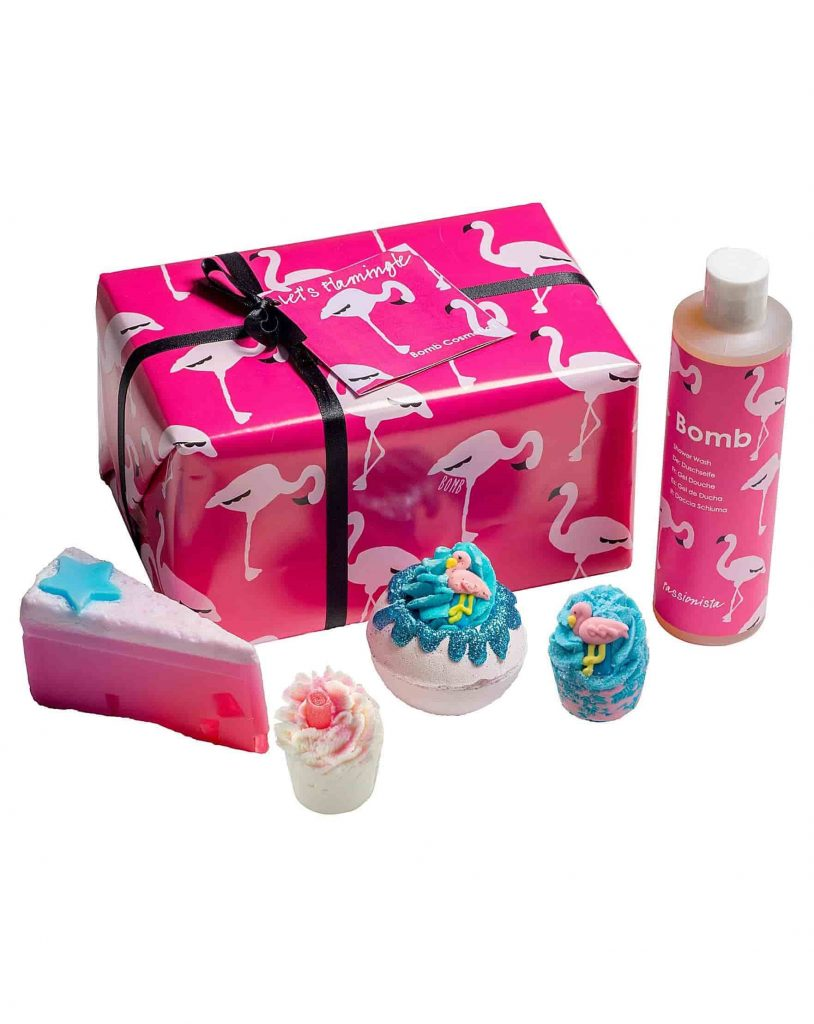 BOMB COSMETICS FLAMINGO BATH BOMB GIFT SET