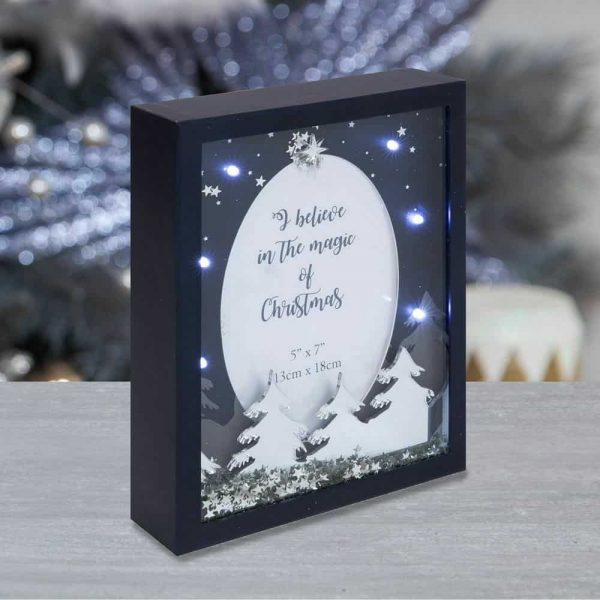 """Christmas LED Light up Forest Scene 5 x 7"""" Photo Frame"""